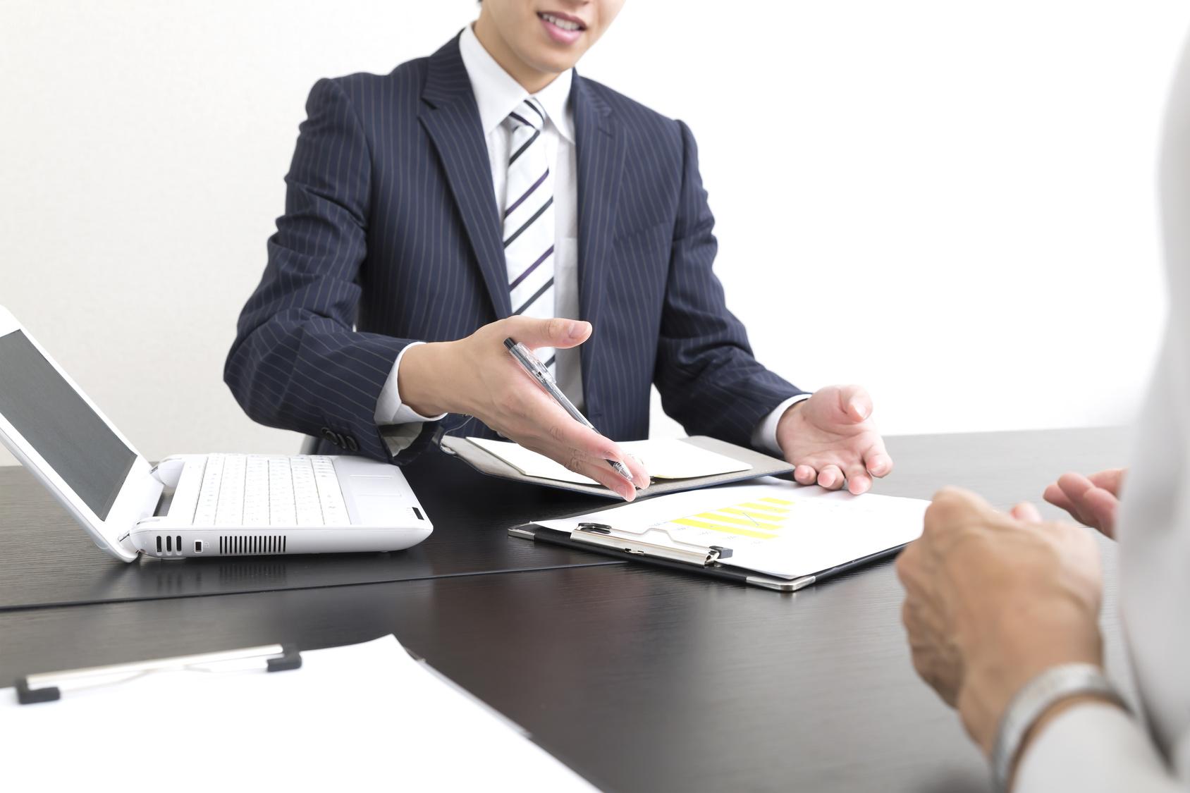 生命保険の営業マンとの正しい付き合い方と保険の選び方