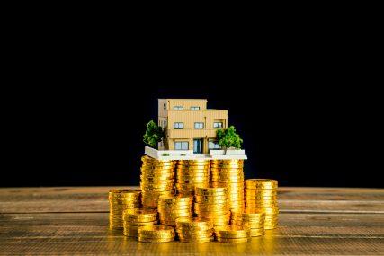 貯蓄とは?マクロ経済学的な意味や類語、保険との関連まで詳細解説! 画像